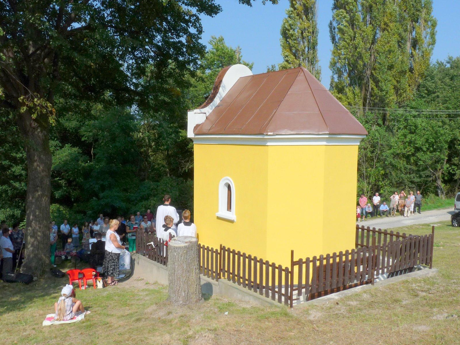 Posvätenie opravenej kaplnky na Bresove